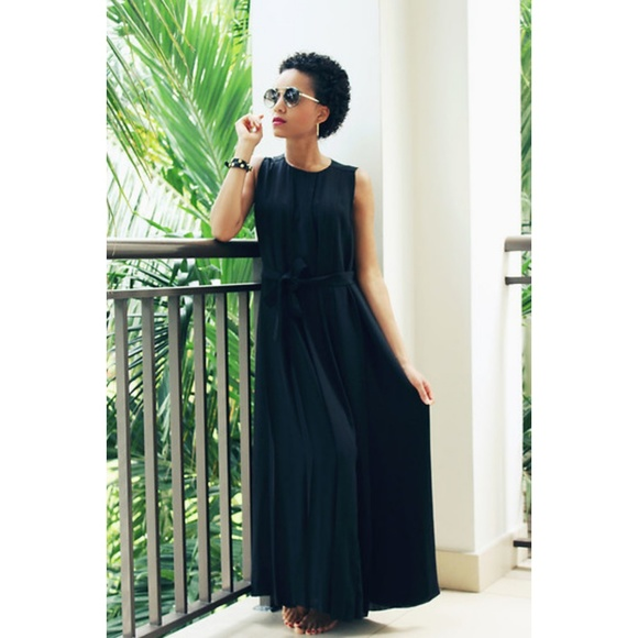 3ba5e0046cc COS Dresses   Skirts - Black Classic Maxi Slit Dress